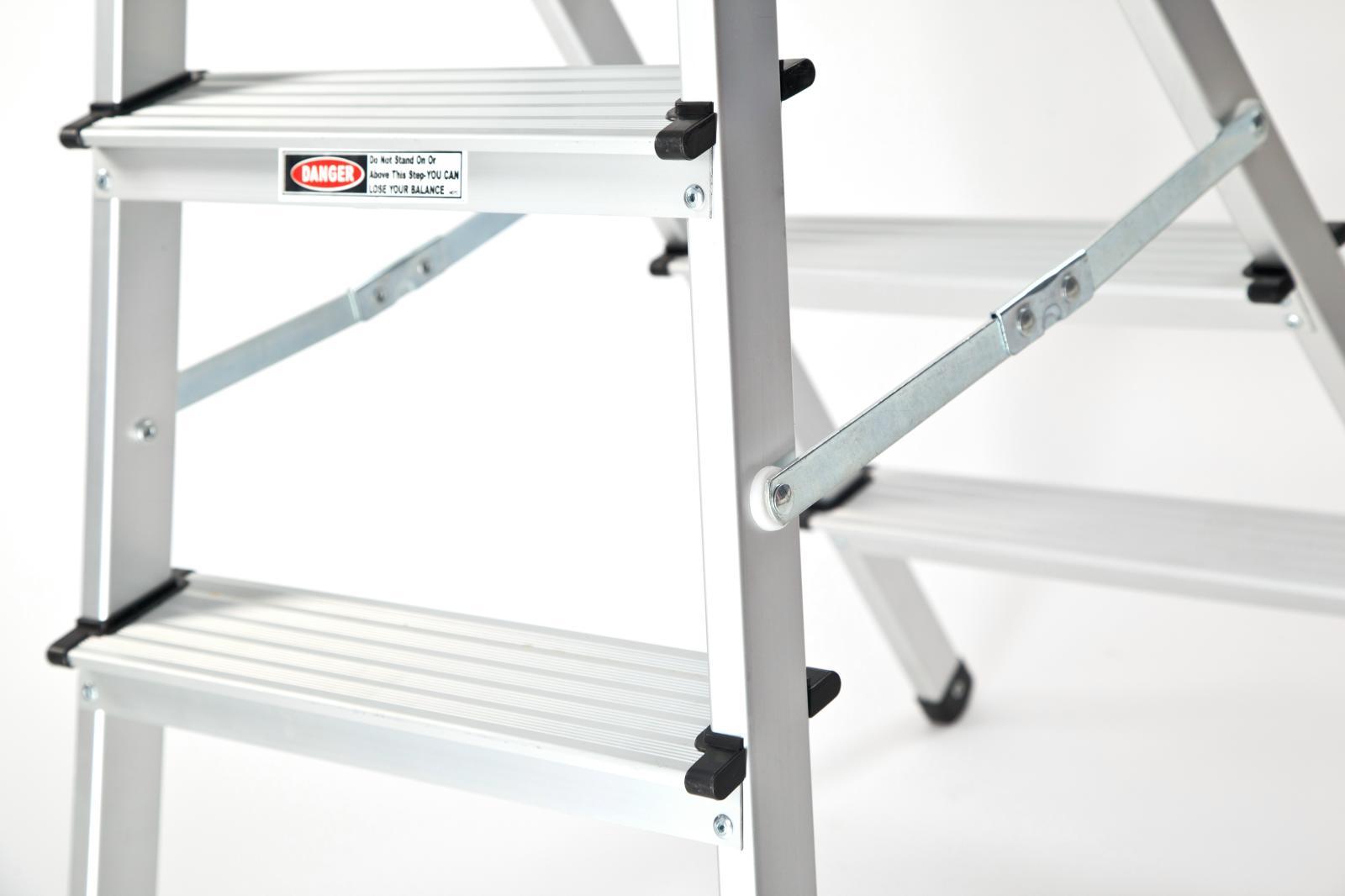 alu trittleiter haushaltsleiter stehleiter klappleiter 2x4 stufen t v gs leiter ebay. Black Bedroom Furniture Sets. Home Design Ideas